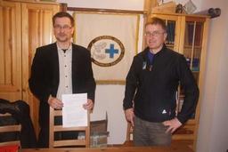 d lewej: Karol Tatara – Wiceprezes Zarządu Ars Legis, Jan Krzysztof – Naczelnik Straży Ratunkowej TOPR